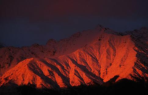 Красные горы на красной пояне