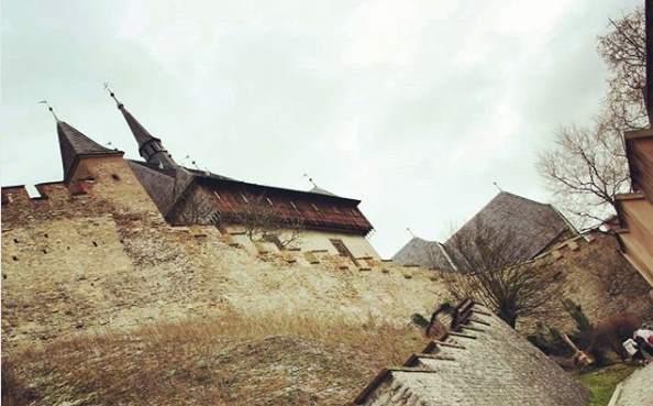 Крепостная стена замкка