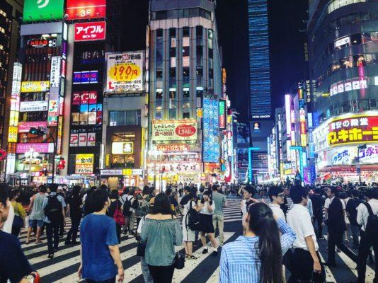 Ночная жизнь в столице Японии