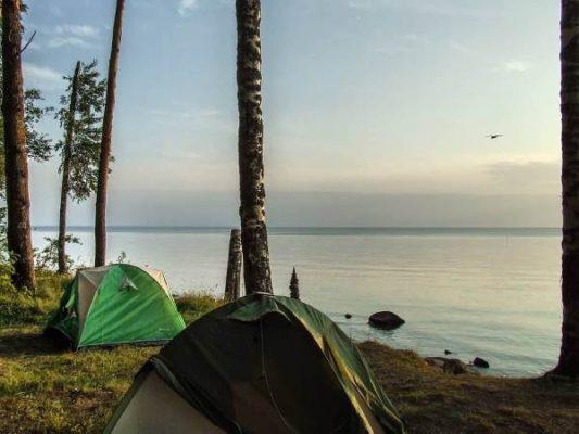 Отдых в палатках на водохранилище