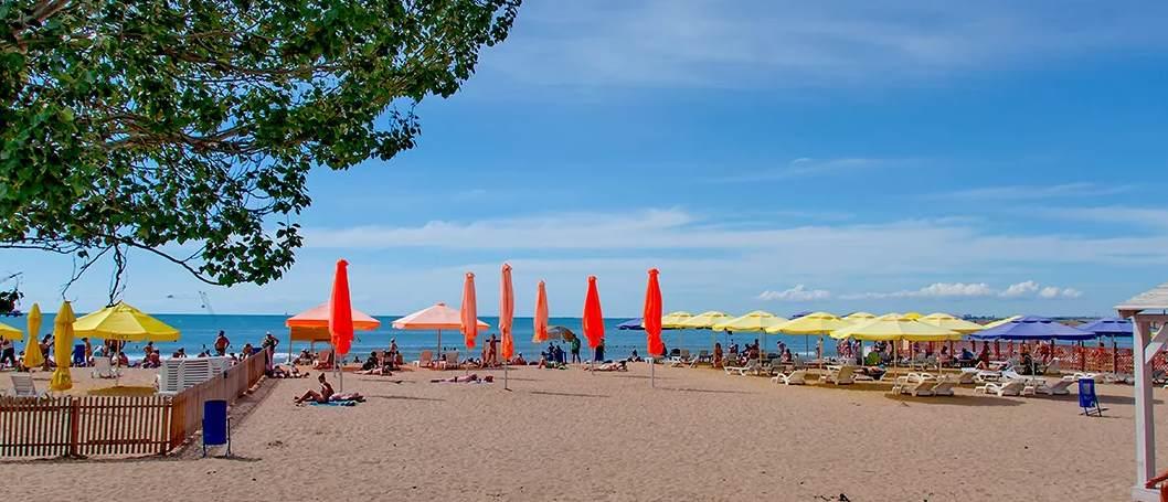 Песчаный пляж в Анапе