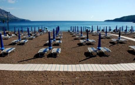 Пляж в черногории монтенегро
