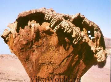 Пустыня. Камень