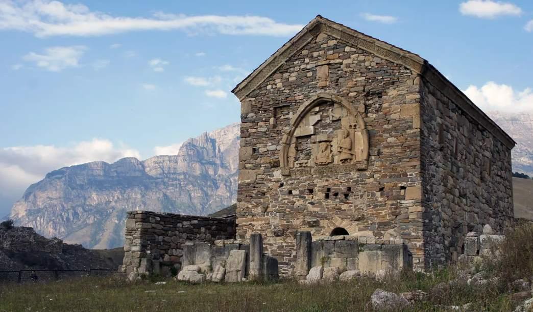 христианский храм Тхаба-Ерды