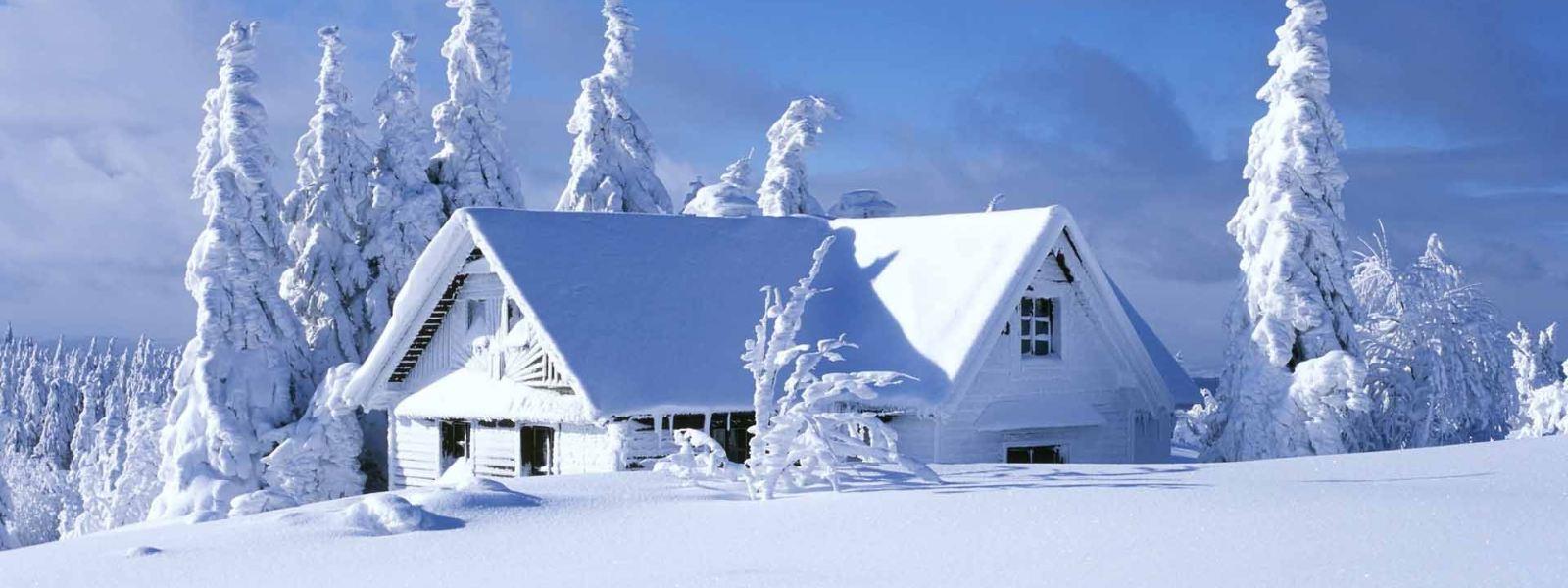 изба зимой